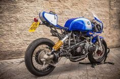 """Pepo Rosell of XTR Pepo has turned another stunner. This time it's a 1992 BMW endurance racer. The bike is nicknamed """"Don Luis."""" Says Pepo: About the name of the bike, this is the [. Bobber Custom, Custom Bmw, Custom Cafe Racer, Bmw Cafe Racer, Cafe Racer Motorcycle, Custom Bikes, Cafe Racers, Bike Bmw, Bmw Motorcycles"""