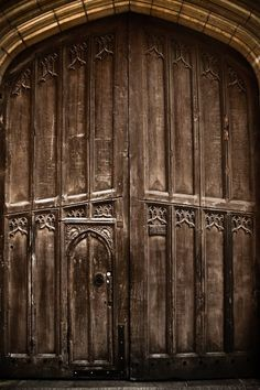 My obsession with wooden doors continues...