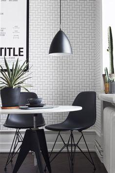 Black dining room home interior design Black And White Dining Room, Black White, Rooms Ideas, Sala Grande, Home Wallpaper, Geometric Wallpaper, Vinyl Wallpaper, Deco Design, Dining Room Design