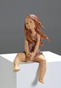"""""""....pour mes sculptures, je ne recherche pas la beauté qui serait trop fade. Je cherche l'émotion, la force. J'oublie l'anatomie car la poésie est dans l'imperfection. Savoir s'arrêter à temps pour ne pas gâcher la sculpture demande de la vigilance..."""" Jurga"""