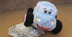 Cuando empezó el veranopenséque no iba a tejer nada de nada. Me equivoque, ha sido un verano muy provechoso. Dice unrefrán: A quie... Crochet Cap, Crochet Amigurumi, Love Crochet, Amigurumi Patterns, Crochet Dolls, Crochet Stitches, Crochet Patterns, Amigurumi Tutorial, Fabric Dolls