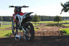 Dirt Bike Parts, Motorcycle Photography, Speed Bike, Dirtbikes, Used Parts, Weekend Is Over, Motocross, Honda, Bike Ideas