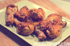 Paleo Buffalo chicken drumsticks    Ingredients:  16 chicken drumsticks, skin-on;  ¼ cup rice wine vinegar;  2 tsp chili powder;  1 ½ tsp paprika;  2 tsp garlic powder;  ½ tsp onion powder;  ½ tsp cayenne pepper;  ¼ tsp salt;  2 tsp coconut oil