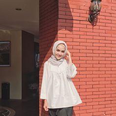 "8,884 Likes, 46 Comments - hamidah rachmayanti (@hamidahrachmayanti) on Instagram: ""hijab & top by @nuna_id  Swipe for details """