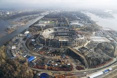 Na esteira da desvalorização do rublo e da crescente inflação, as autoridades russas estão considerando medidas diversas para reduzir os custos de construção dos estádios para a Copa do Mundo de 2018.