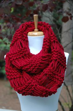 red scarf, chunky scarf, bulky scarf, warm scarf, infinity scarf, circle scarf, wool scarf, soft scarf, knit scarf, crochet scarf, mobius scarf, hand