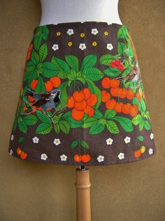 Cherry sparrow embroidery skirt, A-line skirt, upcycle, tablecloth skirt, lined skirt, brown green orange, size Small door LUREaLURE op Etsy