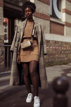 The Best Paris Street Style Spring/Summer 2020 Street Style Chic, Parisian Chic Style, Paris Chic, Looks Street Style, Spring Street Style, Winter Street Styles, Paris Outfits, Mode Outfits, Paris Winter Fashion