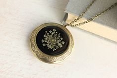 Floral+Locket+Necklace+Large+Round+Pendant+by+apocketofposies