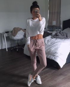How to Wear: The Best Casual Outfit Ideas - Fashion Lazy Outfits, Sporty Outfits, Mode Outfits, Pacsun Outfits, Casual Outfits For Girls, Stylish Outfits, Winter Outfits, Girl Outfits, Legging Outfits