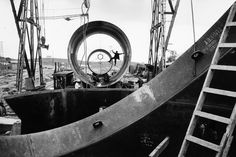 MARC RIBOUD Turkey, Building the Seyhan Dam hydroelectric plant in Adana province. Marc Riboud, Henri Cartier Bresson, Willy Ronis, Magnum Photos, Tour Eiffel, Dubrovnik, Palacio Imperial, Tokyo, Famous Portraits
