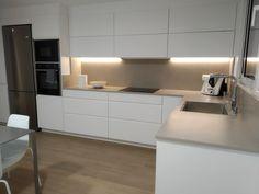 Kitchen Room Design, Home Room Design, Kitchen Sets, Modern Kitchen Design, Interior Design Kitchen, New Kitchen, Küchen Design, Apartment Design, Home Kitchens
