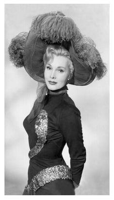 Old Hollywood Style, Hollywood Fashion