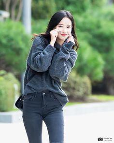 Kpop Girl Groups, Korean Girl Groups, Kpop Girls, The Love Club, Korean Singer, South Korean Girls, Pretty People, Kdrama, Diva