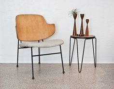 mid-century modern furniture,love the table Handmade Furniture, Vintage Furniture, Modern Furniture, Home Furniture, Furniture Design, Love Chair, Eames Chairs, Deco Design, Mid Century Style