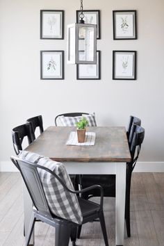 Take a tour of this simple Summer Dining Room. Offering the perfect blend of modern, simplistic and farmhouse, this space is definitely easy to recreate! Black And White Living Room, Black White, Country Style Homes, Modern Country, Home Decor Inspiration, Decor Ideas, Room Ideas, Design Inspiration, Living Room Designs