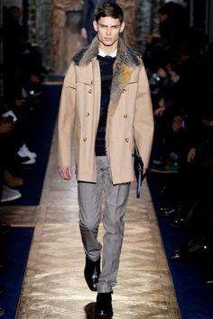 Valentino Fall 2013 Menswear Fashion Show Collection Vogue Paris, New Man Clothing, Mens Fashion 2018, Mens Fur, Designer Clothes For Men, Fashion Show, Men's Fashion, High Fashion, Fashion Ideas