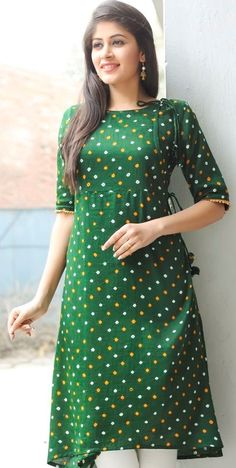 Find out our latest collection of designer ladies kurtis, indian designer kurtis which is the perfect way to look stylish and gorgeous. Salwar Designs, Kurta Designs Women, Kurti Neck Designs, Dress Neck Designs, Blouse Designs, Kurta Patterns, Dress Patterns, Pakistani Dresses, Indian Dresses
