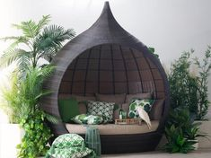 Make a statement in yourgarden and getyour 'Zen' on relaxing in the Templar dome daybed. This huge piece easily fits 2 people comfortably and comes complete with base cushion, 5 large and 5 small scatter cushions that are covered in easy care beige outdoor fabric.With an aluminium frame and UV resistant wicker youwill be able towhile away many hours in the Templar!
