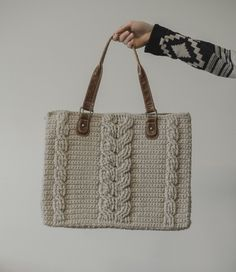 Free Crochet Pattern for the Matilda Tote - Crochet Cables Bag — Megmade with Love Crochet Cable, Crochet Shell Stitch, Crochet Tote, Crochet Handbags, Crochet Purses, Bead Crochet, Free Crochet, Crochet Designs, Crochet Patterns