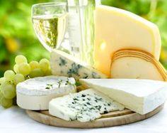 Tous les #fromages se marient avec les #VinsdeBordeaux blancs secs vifs et fruités comme les #CotesdeBordeaux #SaintMacaire ou les #EntredeuxMers !