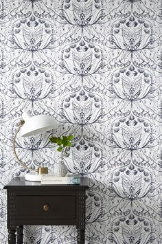 Wallpapers in different colors and patterns - Shop online Ellos. Hallway Wallpaper, Wallpaper Stencil, Pattern Wallpaper, Bohemian Wallpaper, Art Nouveau, Shell House, Floor Ceiling, Tapestry Fabric, Gray Interior