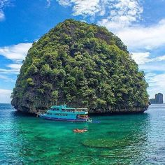 Koh Phi Phi Ley Thailand photo by @gberds by awesomedreamplaces https://instagram.com/p/8psot4lNs7/