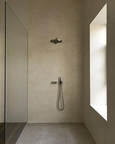 Contemporary bathrooms look clean cut and fresh, always with stylish details too, to pull the finishing look together. Modern contemporary bathrooms can. Contemporary Bathrooms, Modern Bathroom Design, Bathroom Interior Design, Italian Interior Design, Bathroom Designs, Bathroom Design Inspiration, Bad Inspiration, Bathroom Layout, Small Bathroom