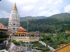Snake Temple in Georgetown - Penang island Malaysia