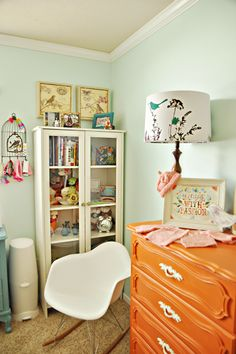 Girl Baby Room Ideas - Vintage Look  Thanks Kristen for finding this for me! Will be doing the orange dresser in miss Chloe's room :)