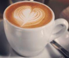 """""""La amistad es la mejor combinación para el café"""" Creamos grandes momentos para ti. Haz de #AromaDiCaffé tu lugar común. Vive comparte y disfruta el mejor café   junto a nosotros. Visítanos en el C.C. Metrocenter pasaje colonial. #AromaDiCaffé #MomentosAroma #SaboresAroma #CoffeeTime #CoffeeBreak #CoffeeLovers"""