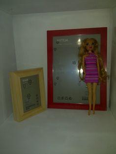 Hier seht ihr den Anfang von Barbies Küchenzeile: Sie besteht aus Ikea-Besteckständern. Drauf gekommen bin ich durch folgende Seite:...
