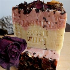 Jasmine Essential Oil, Jasmine Oil, Shea Butter Soap, Cocoa Butter, Heal Bruises, French Soap, Provence Lavender, Oatmeal Soap, Rose Soap
