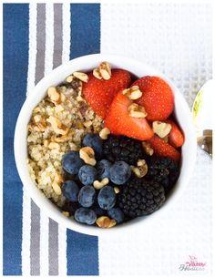 Quinoa and Fruit Breakfast Bowl | The Bubbly Hostess