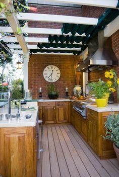 Cool outdoor kitchen