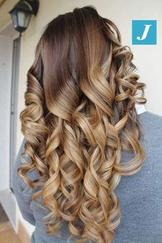Great Hairstyles, Curled Hairstyles, Bride Hairstyles, Curls For Long Hair, Curly Hair, Scene Hair, Hair Shampoo, Long Curly, Love Hair
