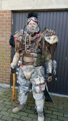 Post Apocalyptic Clothing, Post Apocalyptic Costume, Post Apocalyptic Art, Nuclear Apocalypse, Apocalypse World, Apocalypse Art, Wasteland Warrior, Dystopian Fashion, Wasteland Weekend