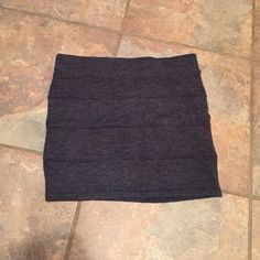 Grey stretch skirt size M NWT Looks great with tights and boots Zenana Outfitters Skirts