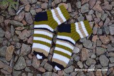 Enon #lahjasukat kivillä #gift #socks #uncle #giftidea #handmade #madeinfinland #stripes #stripesocks #woolsocks #villasukat