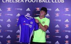 David Luiz Returns To Chelsea From PSG