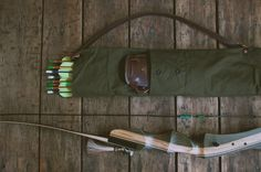 How to: Make a DIY Canvas and Leather Archer's Quiver