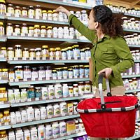 Dietary supplements are popular alternatives for osteoarthritis treatment. Learn about the most common dietary supplements for osteoarthritis. Calcium Supplements, Nutritional Supplements, Calcium Diet, High Calcium, Arthritis, Health Tips, Health And Wellness, Health Benefits, Wellness Tips