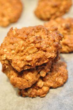Grove småkager med lakrids og brunt sukker