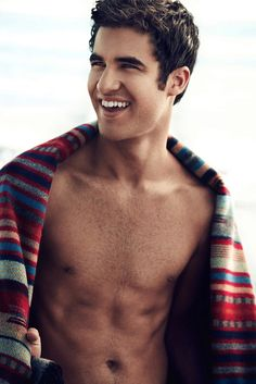 Could he be any cuter? Love him! #DarrenCriss