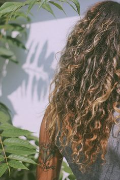 Natural Tips For Curly Hair | Free People Blog #freepeople