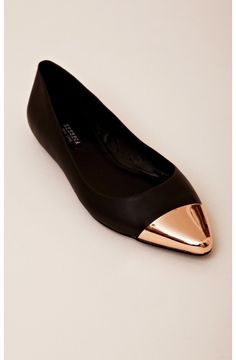 purrfect flats to run around the city in.