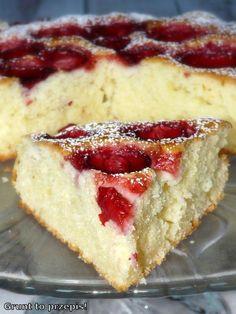 Proste ciasto jogurtowe z truskawkami - #ciasto #jogurtowe #proste #truskawkami Baking Recipes, Cake Recipes, Dessert Recipes, Cake Cookies, Cupcakes, Banana Pudding Recipes, Sandwich Cake, Italian Desserts, Polish Recipes
