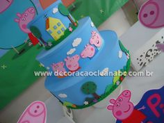 Olá amigas, como estão?     E no hoje é festa, trago algumas dicas de decoração no tema Peppa Pig, desenho que tem feito a alegria da c... Princesa Sophia, Bolo Fake, Pig Birthday, Pig Party, Kids, Decorating Tips, Joy, Dibujo, Princesses