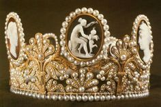 Tiara set with pearls cameos  for Hortense de Beauharnais, Queen of Holland, who gave it to her niece Josephine of Leuchtenberg on the occasion of her marriage to Prince Oscar of Sweden, the future King Oscar. (Swedish Royal Collection)    Hortense Eugénie Cécile Bonaparte  was the stepdaughter of Emperor Napoleon I, being the daughter of his first wife, Joséphine de Beauharnais.