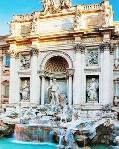 "65 Synes godt om, 1 kommentarer – Julie (@photo.julle) på Instagram: ""Trevi fountain in Rome 💙 • • #summer #blue #photooftheday #trevifountain #rome #italy #turist…"""